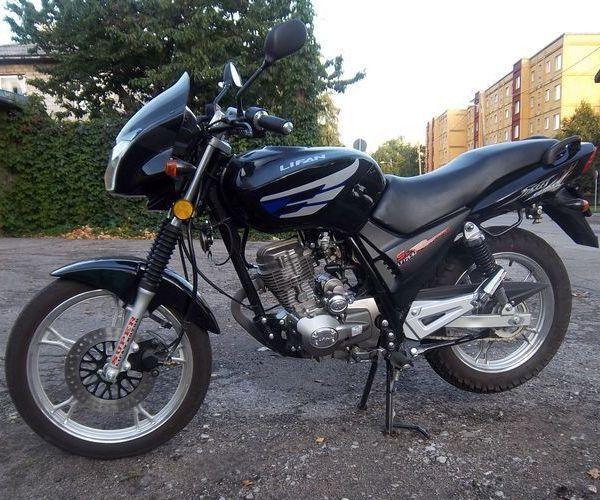 городской мотоцикл Lifan LF125-9J сбоку