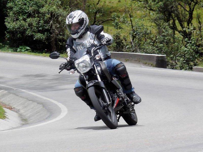 Мотоцикл Lifan LF200-16C Apache в движении